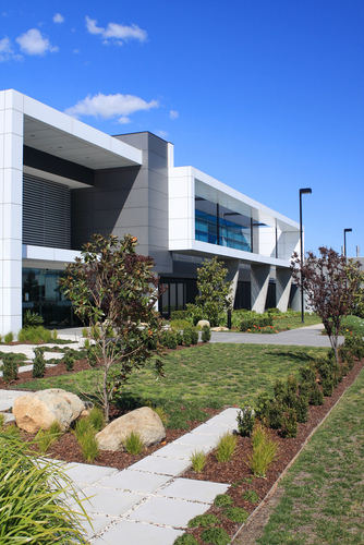 commercial landscaping for office, hoa, shopping malls